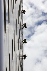 Washing windows (krystian.polewczak) Tags: city windows canon poland polska clean wash lina washing f4 wroclaw miasto 24105 wrocaw okna mycie wysoko canon550d