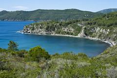 La Baia (Gianpietro Bellumori) Tags: mare turismo spiaggia vacanze isola baia panorami delba d700