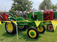 John Deere tractor (SteveMather) Tags: old ohio green yellow antique cleveland restored oh northeast modell 4s iphone berea johndeeretractor tubeframe topazclean 2014cuyahogacountyfair