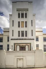 The Pyrene Building, Great West Road. (Gordon Haws) Tags: moderne artdeco a4 deco brentford greatwestroad thegoldenmile egyptienne wallisgilbertpartners pyrenebuilding westlinkhouse