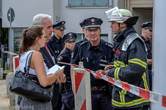 2014-07-30 Haus droht nach Erdrutsch einzustrzen (Michael Arning / Blickpunkt-Hamburg) Tags: news photography photo fotograf fotografie photographer journalism journalist exif:make=fujifilm camera:make=fujifilm bildjournalismus polizeireporter exif:focallength=55mm exif:aperture=50 exif:lens=xf1855mmf284rlmois bildjournalisthamburg camera:model=xe2 exif:model=xe2 exif:isospeed=200 geo:location=hamburg