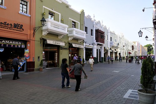 14-13-Shopping street