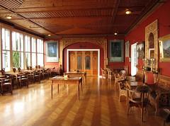 Kviknes interior 03 (Bosc d'Anjou) Tags: norway furniture balestrand woodcarving mbler sognogfjordane treskjring kvikneshotel dragestil kvikneshotell ivarhyvik hyviksalen norwegianinterior
