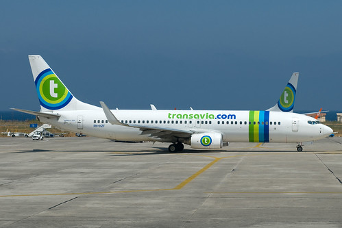 Transavia_B738_PH_HZF_RHO_20090806_0018287_Colormailer_Flickr