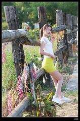 nEO_IMG_DP1U3869 (c0466art) Tags: school light sunset portrait girl face yellow canon nice soft university pretty outdoor quality taiwan skirt short figure pure 1dx c0466art