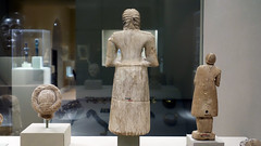 Standing male worshipper (back), Tell Asmar