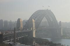 Sydney (www.JnyAroundTheWorld.com - Pictures & Travels) Tags: sunset fog sunrise sydney australia monuments iconic harbourbridge coucherdesoleil leverdesoleil australie jny