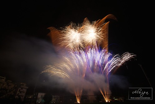 """Fireworks • <a style=""""font-size:0.8em;"""" href=""""http://www.flickr.com/photos/104879414@N07/15253697761/"""" target=""""_blank"""">View on Flickr</a>"""