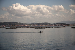 Ria de Arousa (Postcard) (Fernando F. Fernandez) Tags: light sea sky espaa luz clouds landscape mar nikon europa paisaje galicia cielo nubes pontevedra riasbaixas riasbajas ogrove riadearosa