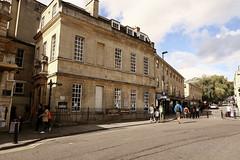 Bath, St John's Place, 09 (Clanger's England) Tags: bnes bath somerset wwwenglishtownsnet lbs510268 gradeiistarlistedbuilding house restaurant et lbs443497 england wbi ebi ebb
