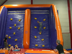 "zomerspelen 2013 Adventurepark • <a style=""font-size:0.8em;"" href=""http://www.flickr.com/photos/125345099@N08/14220611749/"" target=""_blank"">View on Flickr</a>"