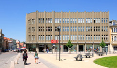 3410 Kaufhausarchitektur der 1960er Jahre - moderne Architektur in der Hansestadt Stendal, Winkelmannplatz. (stadt + land) Tags: moderne sachsen anhalt architektur bilder jahre hansestadt stendal 1960er altmark kreisstadt kaufhausarchitektur winkelmannplatz