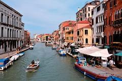 Venice : Canale di Cannaregio (Pantchoa) Tags: venice venezia italia italy cannaregio canale canal guglierivadebiasio boat nikon d7100 tokinalens tokinaaf1228mmf4 tokinaatx1228f4prodx 22mm biasinhotel trattoriacontini guglievaporettostation pantchoa pantxoa