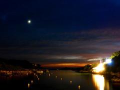 Light on Night (chimpaloahi) Tags: longexposure sea sky moon menorca santandria