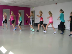 """zomerspelen 2013 hiphop clinic • <a style=""""font-size:0.8em;"""" href=""""http://www.flickr.com/photos/125345099@N08/14405887662/"""" target=""""_blank"""">View on Flickr</a>"""