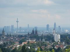 P1050888 (stinkstivvel) Tags: skyline frankfurt bad taunus homburg fz150