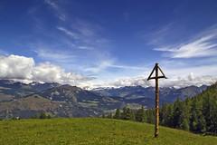 Val d'Aosta - Valle Centrale, les Druges, salendo a Prapremier (mariagraziaschiapparelli) Tags: trekking estate montagna valdaosta escursionismo allegrisinasceosidiventa lesdruges