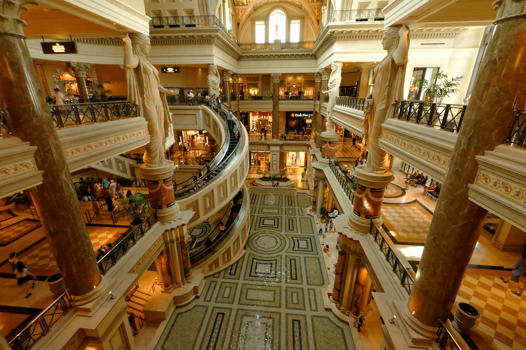 10 Top Tourist Attractions in Las Vegas with s & Map