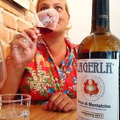Skn knsla av att livet r fint nd. Det hr vinet kpte vi fr 14 r sen p en vingrd i Toscana. Helt pltsligt dyker det upp p vr grymma lokalkrog i ngby och vi fr uppleva det igen. Fast p en annan plats i livet. (overodder) Tags: en 14 fast p toscana att och fr av vi annan fint sen det r helt livet r upp vr fr dyker skn igen plats hr vinet pltsligt kpte knsla vingrd ngby nd uppleva grymma lokalkrog