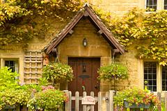 AROUND BOURTON (chris .p) Tags: door uk flowers summer england house nikon august cotswolds gloucestershire gb bourton cotswold 2014 bourtononthewater d610