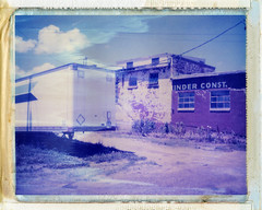 Benton Harbor, MI (moominsean) Tags: polaroid midwest michigan instant trailer 190 bentonharbor abaondoned iduv expired032007