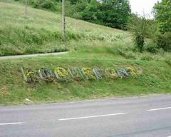 mot-2002-riviere-sur-tarn-roquefort-in-flowers_750x600