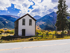 The Visitor House (yarnim) Tags: street flowers autumn portrait stilllife fall beer colors leaves 35mm vintage cabin colorado fallcolors streetphotography fallfoliage twinlakes aspen bluemoon aspentrees rx1 sonyrx1
