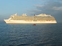 Royal Princess on the River Clyde at Greenock (WesternSMT) Tags: cruise scotland clyde greenock 2014