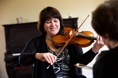 Lucy MacNeil (The Barra MacNeils) rehearses with Liz Doherty. (photo: Steve Wadden)