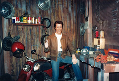 Los Angeles - Henry Winkler - The Fonz - Hollywood Wax Museum - 1987 (AdinaZed) Tags: los angeles la hollywood wax museum 1987 henry winkler fonz california ca