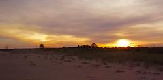 Féérique lumière d'automne! (josianelavielle) Tags: ciel coucher de soleil plage