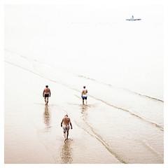 (Lanpernas 2.0) Tags: beach playa donosti sansebastian walkers plage donostia orilla hondartza sansebastin saintsebastien