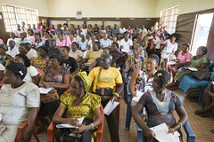 _MDB0009 (United Methodist News Service) Tags: africa men women sierraleone bo fighting malaria inm globalhealthinitiative sierraleonenetsjun14slideshow2