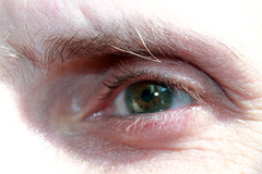 Potter eye (Mandy Versailles) Tags: white man verde green eye beautiful pretty tears shine pale greeneyes blonde olho