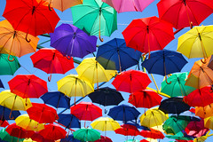 Umbrella Bridge I. (gambit03) Tags: city festival umbrella colorful center umbrellas centrum innenstadt regenschirme regenschirm bunte gyr fesztivl belvros eserny sznes esernyk gyrkcfesztivl