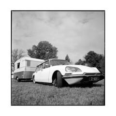 french camp • vignoles, burgundy • 2014 (lem's) Tags: camping camp classic car french automobile burgundy citroen ds voiture retro hasselblad trailer bourgogne francais caravane 500cm vignoles