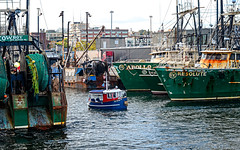 Little Toot's Cousin? (CapeCawder) Tags: boats tugboat fishingboats resolute newbedfordharbor ononeperfecteffects8