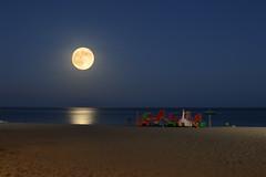 Superluna (clara.bealc) Tags: sea summer espaa moon beach mar nikon playa luna verano malaga fuengirola nikond3200 nikonistas d3200 supermoon superluna
