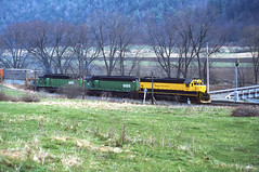 NYSW 3622 (LV 312) Tags: railroad train sealand yellowjacket semaphore susieq sd45 emd intermodal doublestacks stacktrain nysw semaphoresignal addisonny newyorkrailroads newyorksusquehannawestern intermodaltrain emdsd45 southerntierline canisteovalley nysw3622 sealandstacktrain newyorkssoutherntier