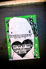 streetartbergen894 (motveggen) Tags: streetart pasteup wheatpaste bergen kjærlighet gatekunst barnslig streetartbergen motveggen