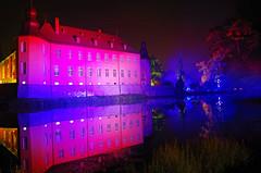 Schloss Dyck (ulrike.heck) Tags: castle night nightshot nrw dmmerung schloss spiegelbild nachtaufnahme 2014 jlich illumina dyck ulrikeheck