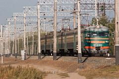 ER2-K-1013 (alexcashman801) Tags: railroad morning sun 20d electric train canon eos smog day railway sunny canoneos20d emu passenger ussr er2 transsib smoggy rvr rzd canonef100300mmf4556usm er2k er2k1013