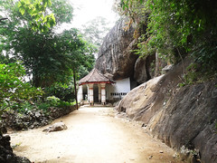Ibbagala Raja Maha Viharaya ( Ibbagala Cave Temple) (Achala Photography) Tags: maha raja kurunegala achala rajapaksha viharaya විහාරය ibbagala ඉබ්බාගල රජමහා