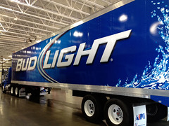 Budweiser_Bud-Light-trailer