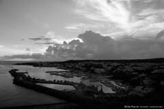 nuvole e mare BW (MikePhotoArt) Tags: light canon landscape photo reflex mare photographer acqua puglia vacanze lecce 18mm retrò leuca canon60d estremità castrignanodelcapo puntaditalia mikephotoart
