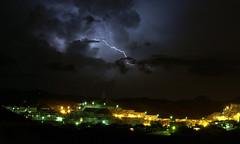 Llega la tormenta (Jose Vallejo 67) Tags: storm tormenta rayo nwn lamanoamiga