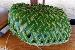 Ozdoby z liści palmy kokosowej | Decorations made of coconut palm leaves
