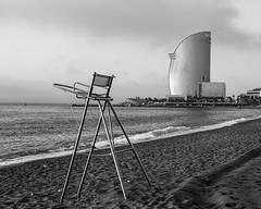 La espera (alimoche67) Tags: barcelona espaa sony playa 99 barceloneta alpha catalua slt hotelvela translucentmirror josejurado