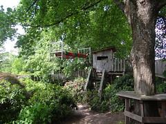 Bitsch und Garten des Friedens (Ela2007) Tags: frankreich bitch traumwelt huckleberryfinn bitsch gartendesfriedens bettimbaum