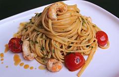 Linguine con Bisque di Scampi e Pomodorini (Gianluca Segreto) Tags: stilllife food canon italian pasta linguine scampi foodphotography